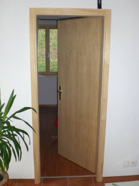 Retour la liste d for Porte interieur sapin